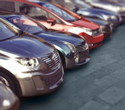 Comprar coches de segunda mano vs. renting.